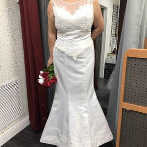 White wedding dress size 12 for Sale in Miami, FL