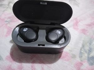 Skull Candy Bluetooth earbuds for Sale in Brookneal, VA