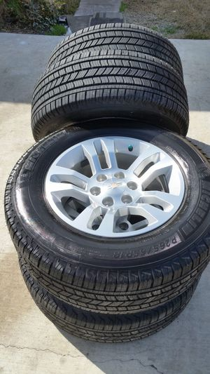 2019 CHEVY TAHOE 18s RIMS AND TIRES for Sale in Grand Prairie, TX