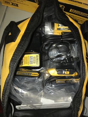 """1/4"""" 20v max impact driver kit with 2 batteries, charger, bag for Sale in Antioch, CA"""