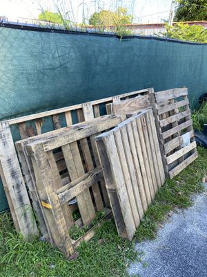 Free pallets for Sale in Vero Beach, FL