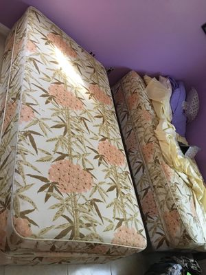 Spring with mattress for Sale in Port St. Lucie, FL