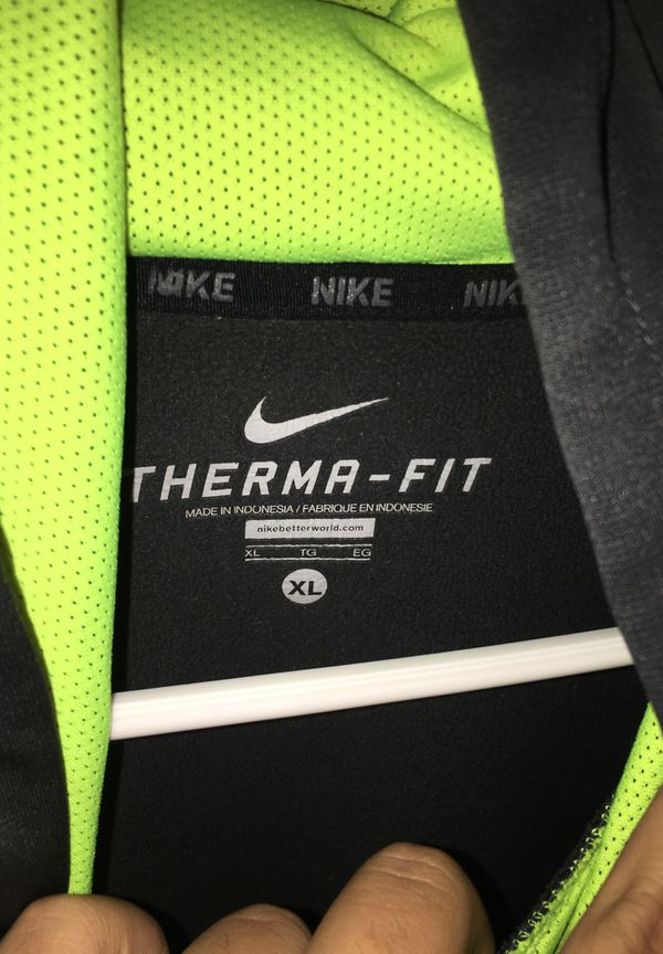 Nike Therma-Fit pullover hoodie Highlighter yellow/Grey. Size XL