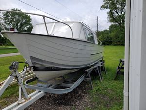 1965 starchief boat 22 footer with trailer project I did some work on it new paint for Sale in Columbus, OH