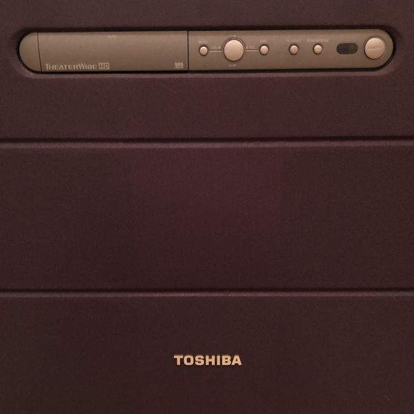 Toshiba Theater Wide HD TV - 42 Inch Screen