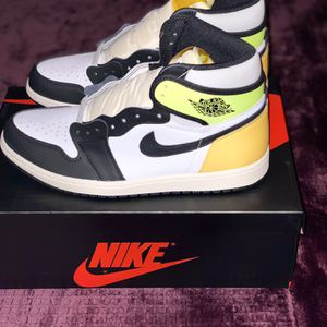 Jordan 1 Retro High White Black Volt University Gold for Sale in Woodburn, OR