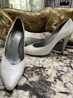 CHARLES JOURDAN Off White Pointed Heels for Sale in The Woodlands, TX