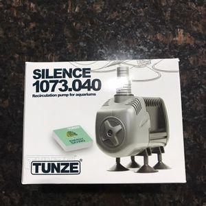 Tunze 1073.040 silence pump for salt and fresh water tank for Sale in Auburn, WA