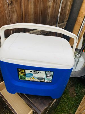 Cooler for Sale in Los Angeles, CA