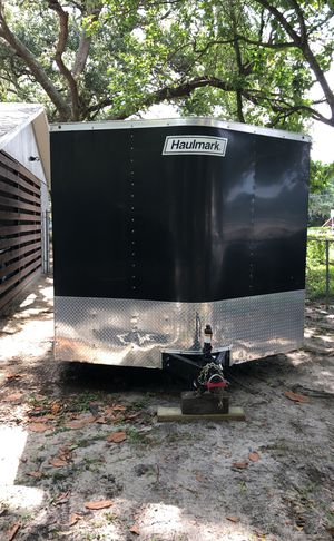 2016 haulmark trailer 20/8 enclosed with a ramp only 3500 miles for Sale in Tampa, FL