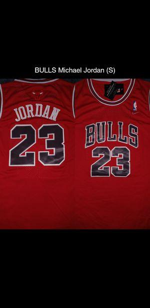 BULLS Michael Jordan jersey (S) for Sale in Bakersfield, CA