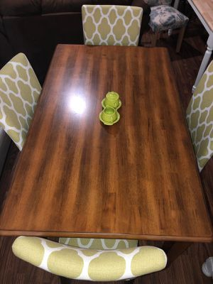 Dining table with 4 homepop chairs for Sale in Phoenix, AZ