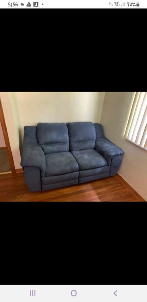 Couch and love seat reclining for Sale in Belle Vernon, PA