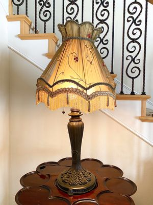 Antique Style Lamp for Sale in Burbank, CA