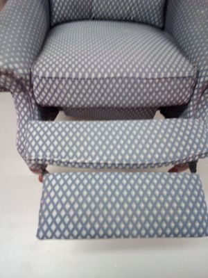 Large Wíngback Recliner for Sale in Greensboro, NC