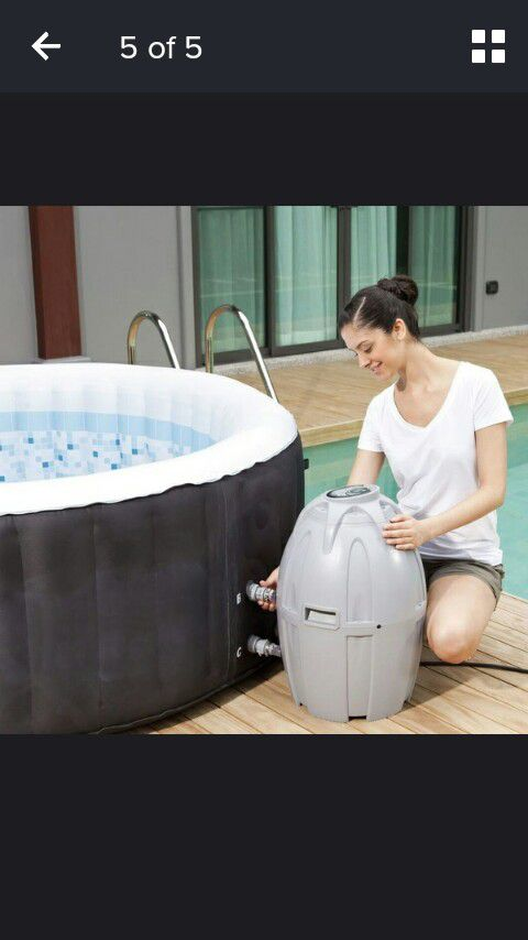 Brand New best way spa 71 by/26 inch inflatable hot tub Brand new works amazing !!stock limited