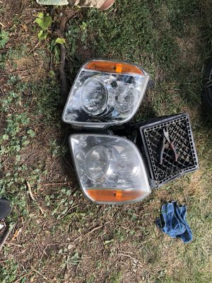 2008 Yukon Headlights's for Sale in Detroit, MI