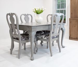 Dining Table and 4 Chairs for Sale in Vienna, VA