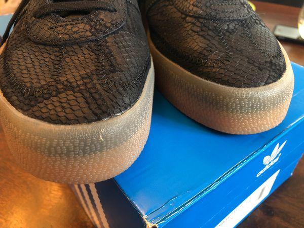 Adidas Sambarose sz 9.5