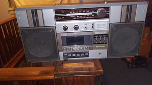 Sr 2000 Series 2 way 4 speaker stereo system with cassette player for Sale in Clinton Township, MI