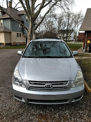08 Kia sedona for Sale in Cleveland, OH