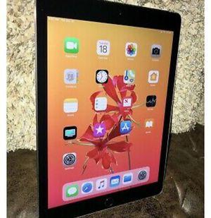 Apple iPad air 2 cellular wifi 32gb for Sale in Wilmington, CA