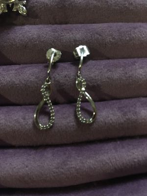 10k white gold earring with real diamonds for Sale in McKeesport, PA