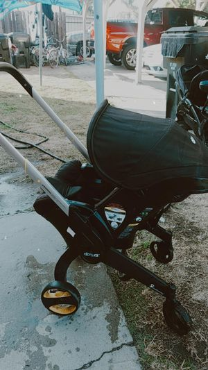 Car seat , Stroller for Sale in Bell Gardens, CA