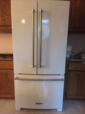 KitchenAid refrigerator/freezer - pristine condition! for Sale in Brecksville, OH