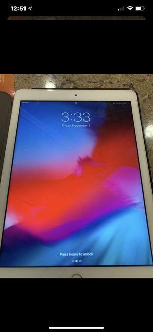 iPad 6th gen 128 gigs for Sale in Coronado, CA