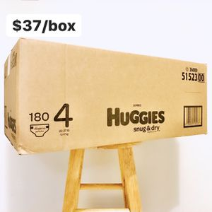 Size 4 (22-37 lbs) Huggies Snug Dry (180 baby diapers) for Sale in Anaheim, CA