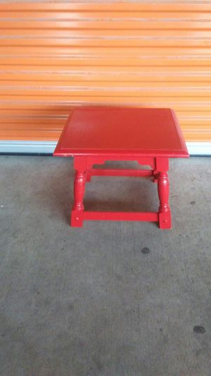 Table (small) for Sale in Houston, TX