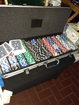 LARGE POKER SET W ALUMINUM SET! for Sale in Miami, FL