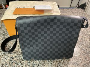 Authentic LV MM messenger bag for Sale in Arlington, VA
