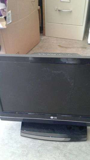 L G t.v. 24 inches working good for Sale in Gresham, OR