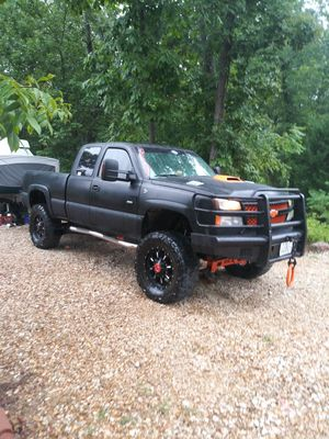 2003 Chevy 2500 HD 6.6 DURAMAX or trade? for Sale in Lebanon, MO