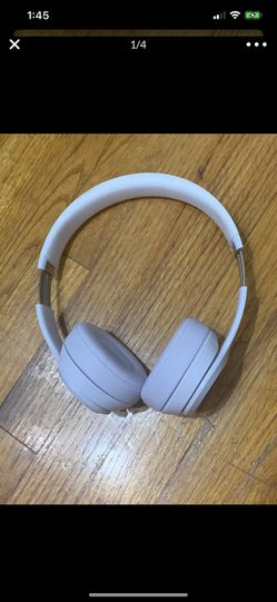 White Beats Solo Wireless Bluetooth Headphones for Sale in City of Industry,  CA