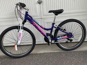 Schwinn mountain bike size wheel 24 aluminum frame 21 speed for Sale in Old Westbury, NY
