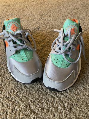 Nike huarache shoes for Sale in Fort Washington, MD