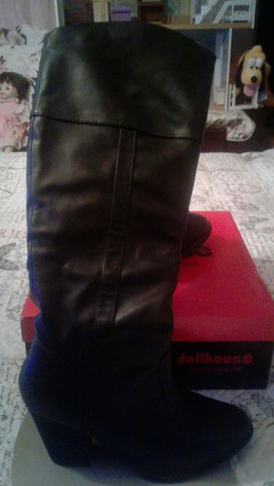 Brand New 3 In Heel Boots Right above Knees for Sale in Hesperia, CA