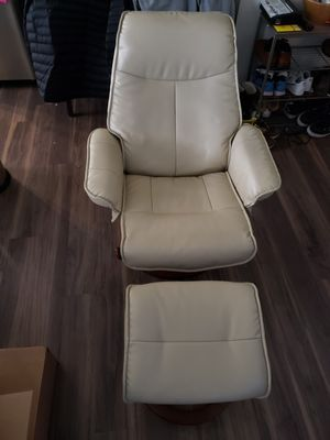Leather lounger with foot stool. for Sale in NJ, US