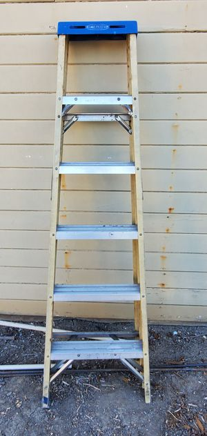 Werner 6 ft. Yellow Fiberglass Step Ladder with 275 lb. Load Capacity for Sale in CAMPBELL, CA