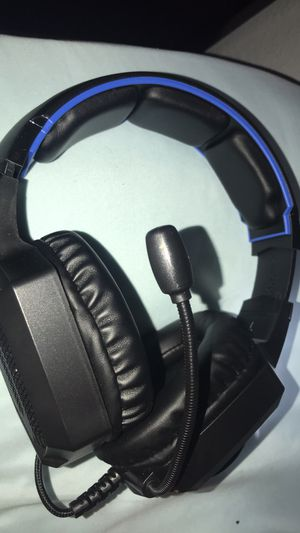 Works for all devices headset for Sale in Modesto, CA
