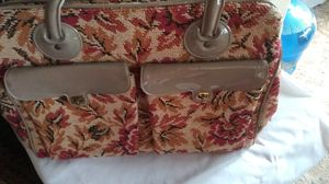 Large vintage carpet bag.like new can used for weekender bag for Sale in Oroville, CA