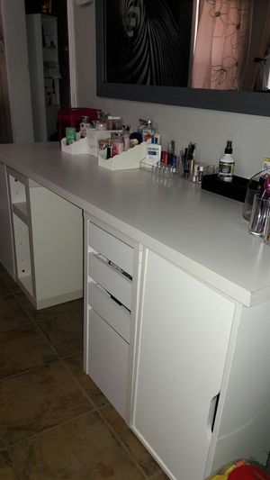 Makeup vanity for Sale in Fort Worth, TX