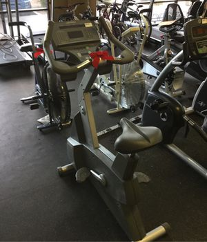 Life Fitness 95ci commercial grade upright exercise bike self generated no plug needed for Sale in Phoenix, AZ