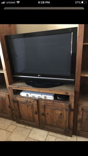 LG TV (not control, not plasma) working perfectly with ROKU) for Sale in Phoenix, AZ