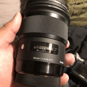 SIGMA 50MM F1.4 ART LENS FOR CANON MOUNT for Sale in Escondido, CA