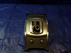 2010 - 2012 INFINITI G37 G25 CENTER CONSOLE GEAR SHIFTER PANEL AUTO TRANS for Sale in Fort Lauderdale, FL