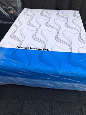 FULL SIZE MATTRESS MEMORY FOAM AND BOX SPRING for Sale in Cerritos, CA